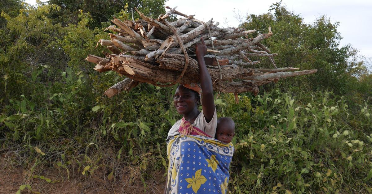 Kenyan woman with headlot