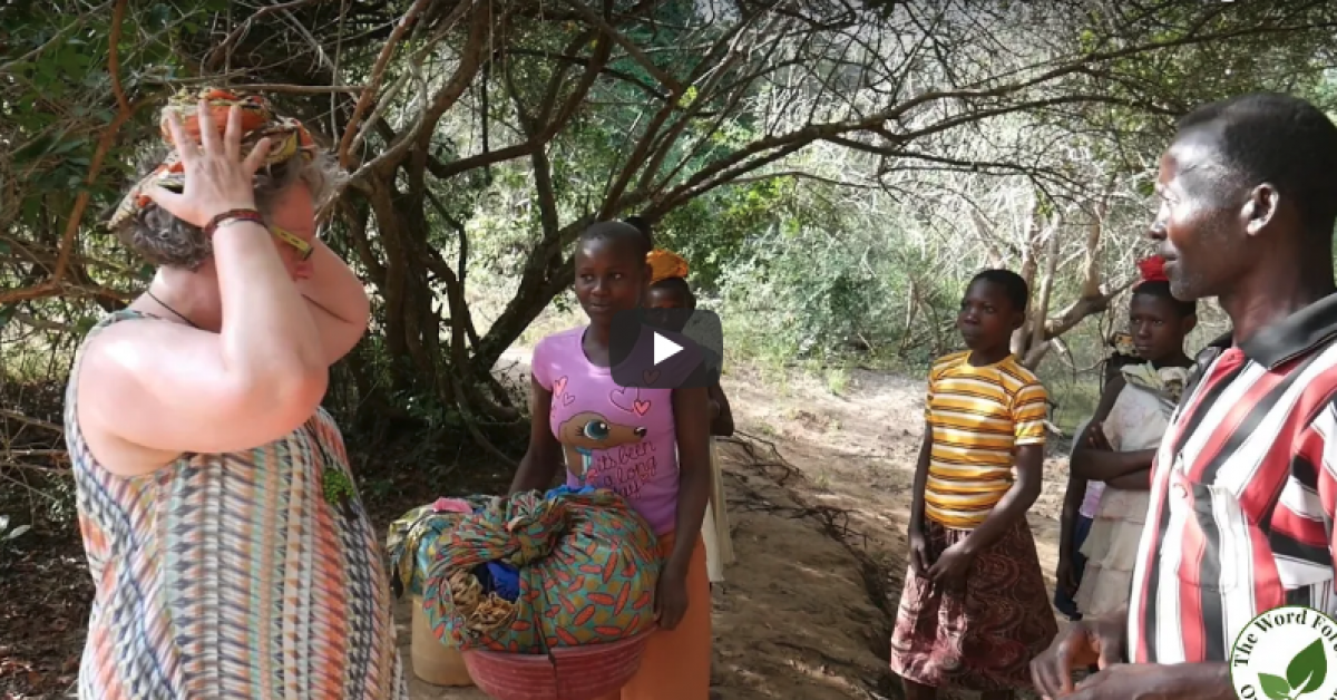 Video: Water - one of the challenges for women in rural Kenya